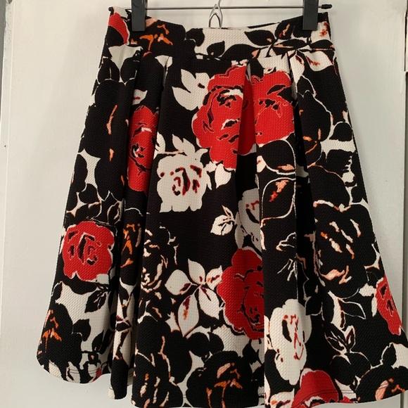 Renee C. Dresses & Skirts - Renee C mini floral print skirt. Size S-M
